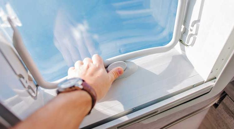 Complete Guide For RV Roof Maintenance, Cleaning & Replacing